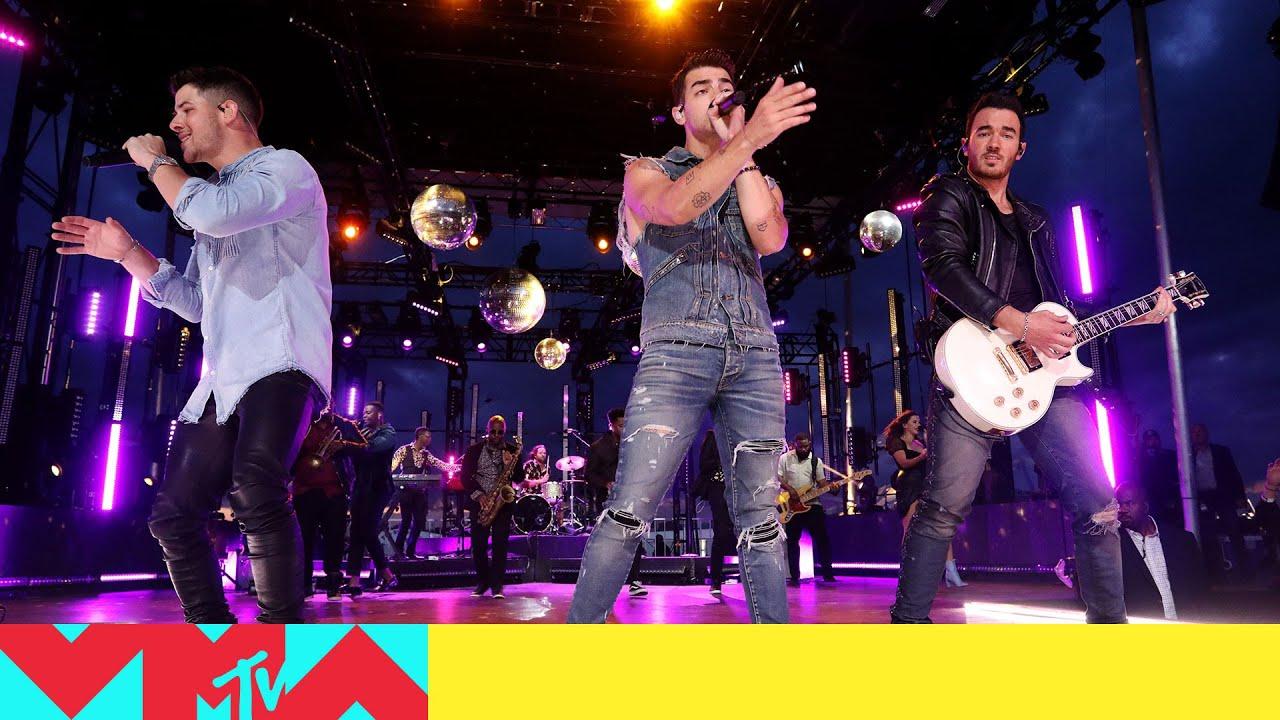 22276 Jonas Brothers Perform 'Sucker' & 'Only Human' | 2019 Video Music Awards