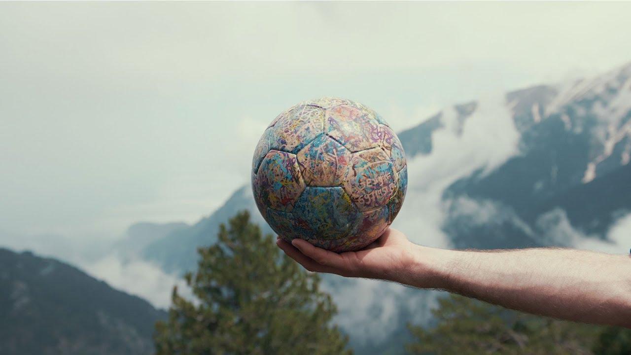 29566 SPIRIT OF THE BALL - Trailer